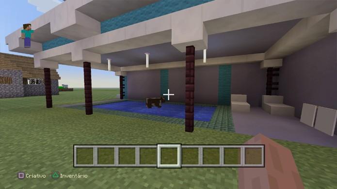 Os novos blocos de Prismarinho em Minecraft são perfeitos para fazer uma piscina em sua casa de luxo (Foto: Reprodução/Rafael Monteiro)