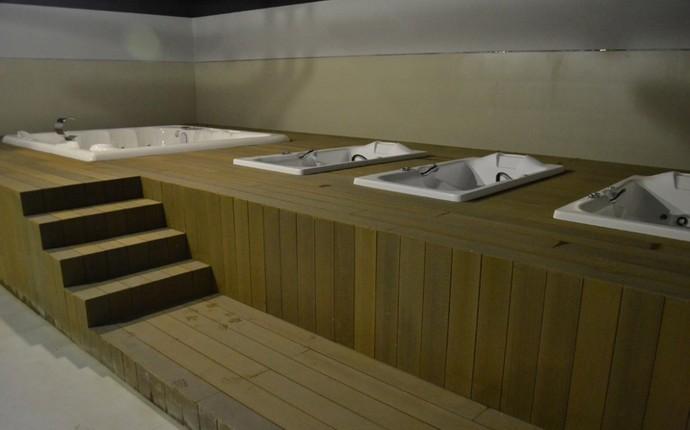 Deck para as banheiras de hidromassagem (Foto: Divulgação/Site Oficial do Atlético-PR)