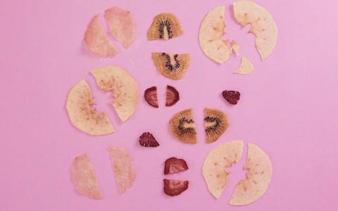 Veja como fazer chips de frutas