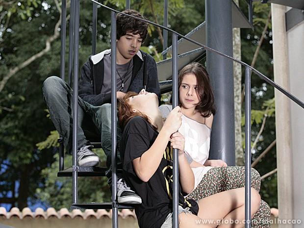 Giovana com os amigos inseparáveis, Guilherme e Clara (Foto: Malhação/TV Globo)