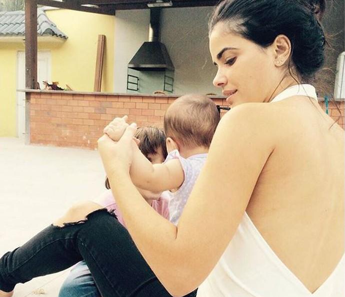 Vanessa Giácomo conta como se divide entre a família e o trabalho (Foto: Arquivo Pessoal)