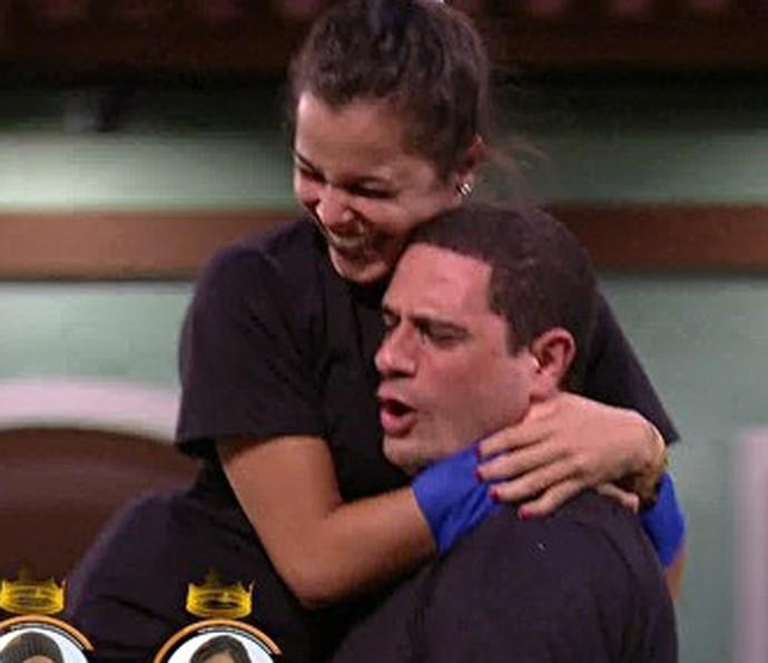 Emilly e Daniel (Foto: TV Globo)