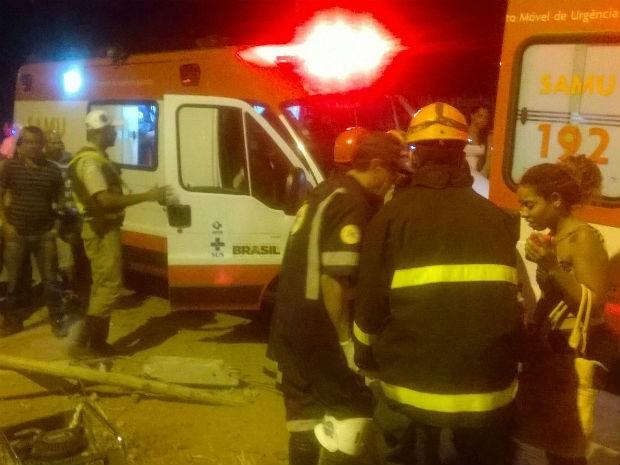Vítimas foram socorridas pelo Samu  (Foto: Edvaldo Alves/ site: Liberdadenews)