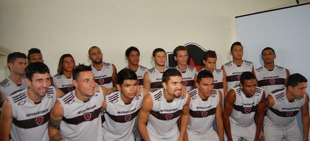 Apresentação do Botafogo-PB para 2013 (Foto: Lucas Barros / Globoesporte.com/pb)