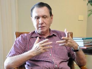 O deputado federal eleito Carlos Bezerra (PMDB). (Foto: André Souza / G1)