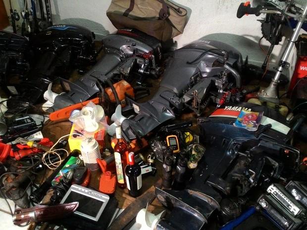 Polícia apreende vários materiais furtados na zona rural de Uberlândia (Foto: Lucas Papel/G1)
