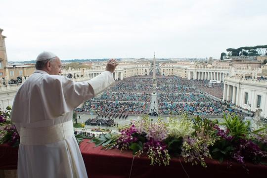 Papa Francisco celebra missa de Páscoa no Vaticano (Foto: /L'Osservatore Romano/AP)