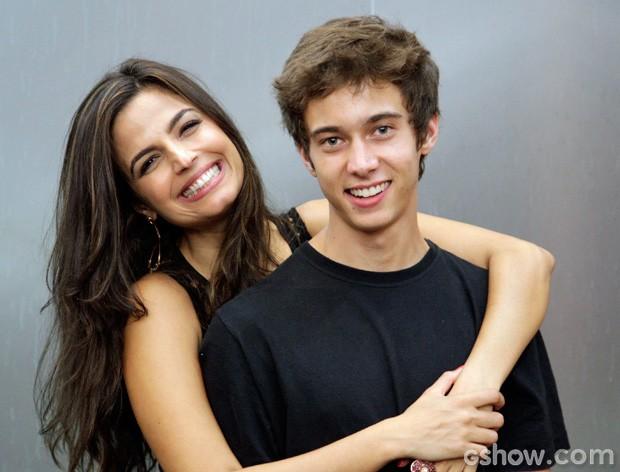Emanuelle Araújo e Guilherme Hamacek (Foto: Raphael Dias / TV Globo)