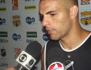 Gladstone, zagueiro do ABC (Foto: Matheus Magalhães/Globoesporte.com)