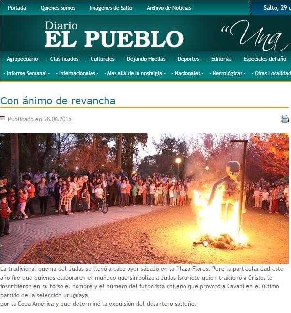 Boneco Jara queimado como Judas Uruguai