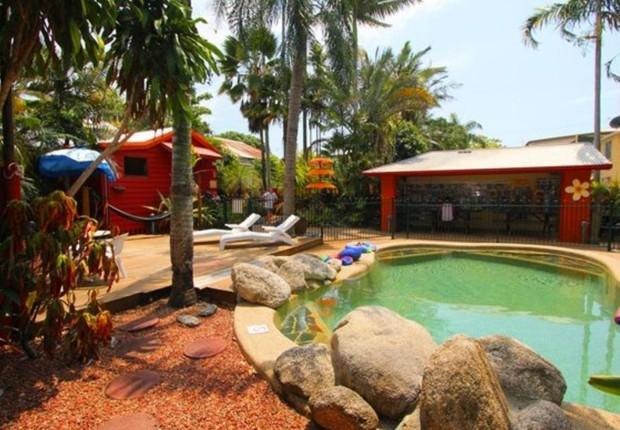 O hostel Traveller's Oasis em Cairns, na Austrália (Foto: Reprodução/Facebook)