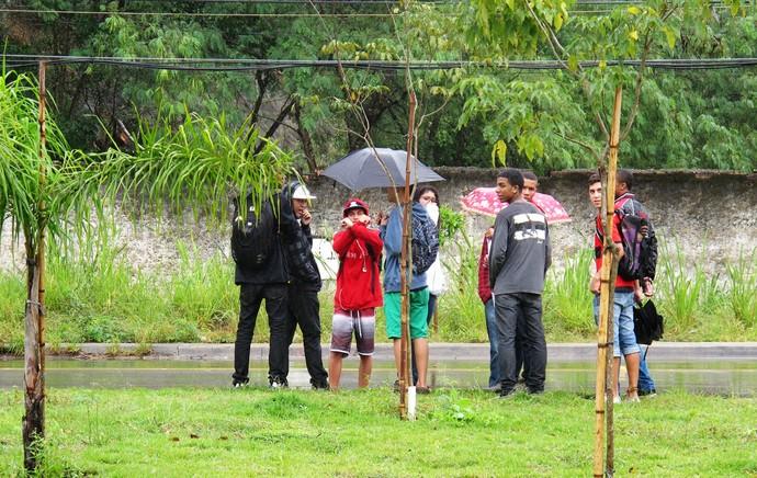 protesto flamengo ninho do urubu (Foto: Thales Soares)