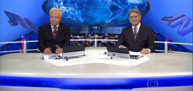 Cid Moreira e Sérgio Chapelin retornam ao Jornal Nacional em 2015 (Foto: TV Globo/Divulgação)