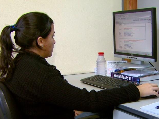Estagiários devem comprovar irregularidades para ter direito a benefícios de trabalhadores (Foto: Wilson Aiello/EPTV)
