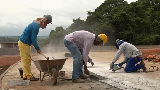 Parque contrata funcionários com salários de até R$ 3,5 mil em Goiás