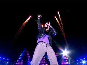 Luan Santana em cena do teaser lançado nesta quarta-feira (2), que anuncia novo DVD (Foto: Divulgação)