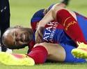 Com lesão no joelho, Iniesta vai desfalcar o Barça por duas semanas