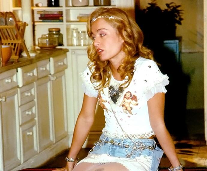 Em 2001, a loira marcou presença na trama 'Um Anjo Caiu do Céu' (Foto: TV Globo)