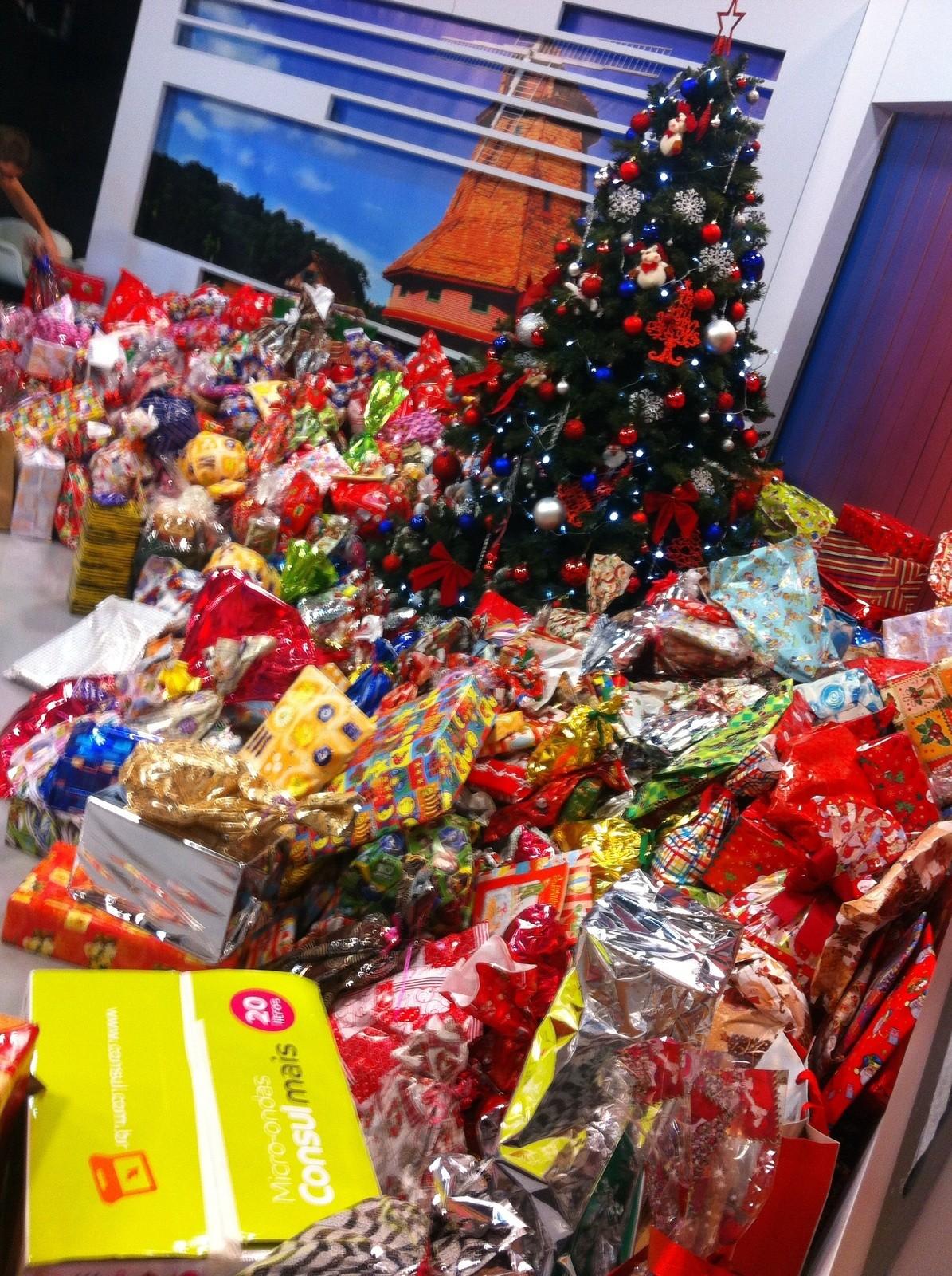 Quase mil presentes foram arrecadados em 2015 (Foto: RBS TV/Divulgação)