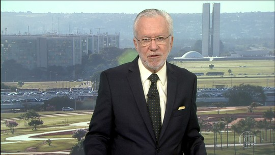 Alexandre Garcia analisa expectativa dos políticos com investigação