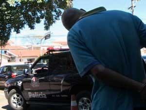 Acusado de praticar diversos crimes contra mulheres é preso em São José dos Campos (Foto: Renato Ferezim/G1)