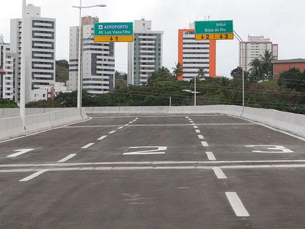 Terceiro viaduto do Complexo Viário do Imbuí foi liberado na manhã deste sábado (27) (Foto: Manu Dias/GOVBA)
