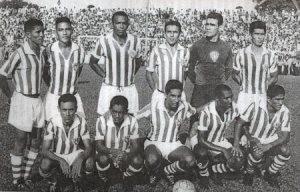 Paysandu no jogo diante do Peñarol (URU) em 1965 (Foto: Divulgação/Arquivo pessoal)
