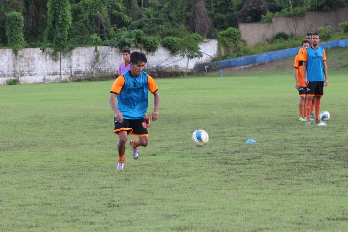 Índio, novo atacante do Flamengo-PI (Foto: Wenner Tito )