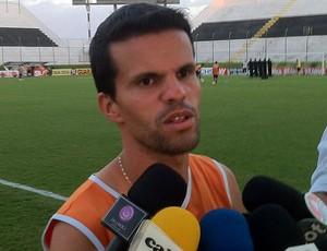 Walter Minhoca espera regularização para defender o ABC (Foto: Bruno Araújo/GLOBOESPORTE.COM)