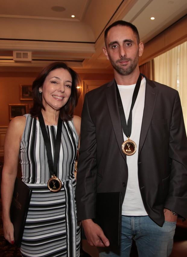 A editora-chefe da Globonews Marita Graça e o repórter Gabriel Chaim (Foto: Globo/Luiz C. Ribeiro)