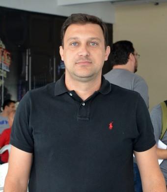 Fabiano Barros fisiologista Taubaté (Foto: Danilo Sardinha/GloboEsporte.com)