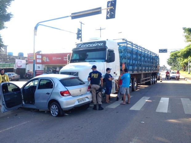 Vítimas foram levadas para o Pronto Socorro João Paulo II (Foto: Isis Capistrano/ G1)