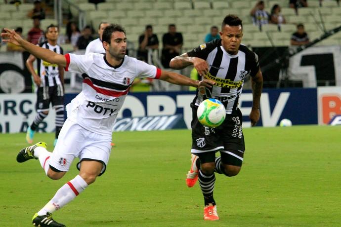 Renan Fonseca e Bill, Ceará x Santa Cruz (Foto: LC Moreira / Ag. Estado)