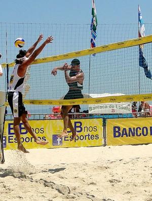 Ricardo, Oscar e Moisés vôlei de praia (Foto: Helena Rebello / Globoesporte.com)