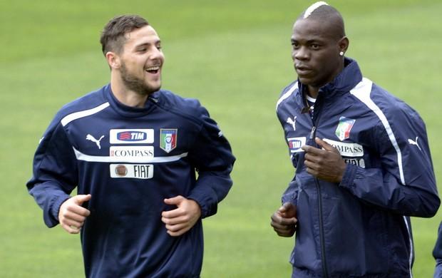Mattia Destro e Mario Balotelli Itália (Foto: Getty Images)
