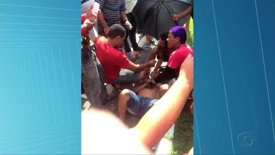 Colisão entre carro e moto deixa uma pessoa gravemente ferida em Atalaia
