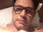 Zezé Di Camargo, sem Graciele Lacerda, lamenta ter que dormir só