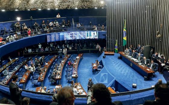 Senado na votação do  impeachment após 20 horas de sessão (Foto: Sérgio Lima/ÉPOCA)