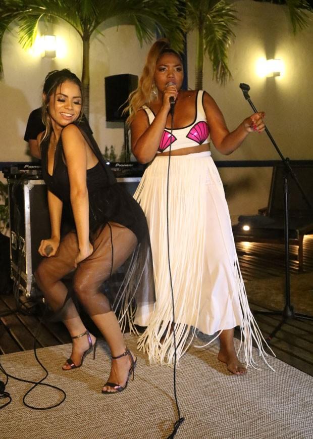 Lexa e Gaby Amarantos cantaram o hit de Jojo Toddynho (Foto: Daniel Janssens / Ed.Globo)
