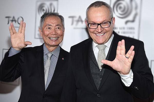 George Takei e Brad Altman (Foto: Getty Images)