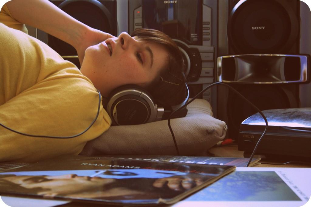 Música pode te ajudar a cair no sono?