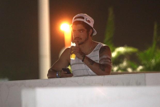 Caio Castro assiste Iron Maden sozinho em camarote vip no Rock in Rio (Foto: Iwi Onodera/EGO)