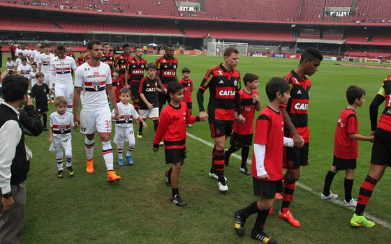 São Paulo x Flamengo no Campeonato Brasileiro de 2015 (Foto: Gilvan de Souza / Flamengo)