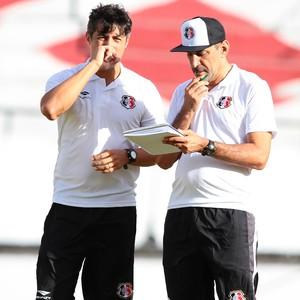 Adriano Teixeira Vinícius Eutrópio Santa Cruz (Foto: Marlon Costa / Pernambuco Press)
