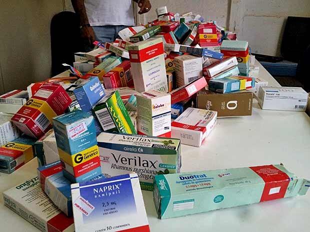 Remédios encontrados em lixão da Estrutural, no DF (Foto: Marcus Wilson/Divulgação)