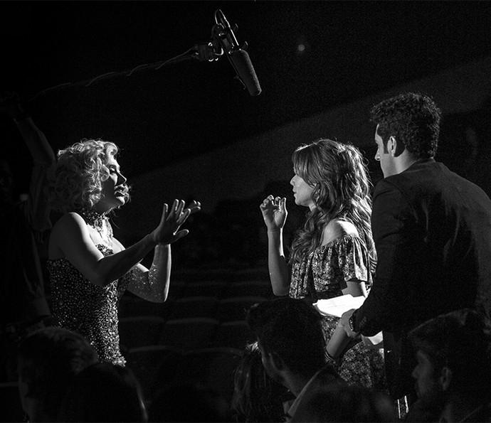 O encontro das 'Tancinhas'! <3 Quem viu? Claudia Raia com Mari Ximenes, e João Baldasserini acompanhando tudo (Foto: Isabella Pinheiro/Gshow)