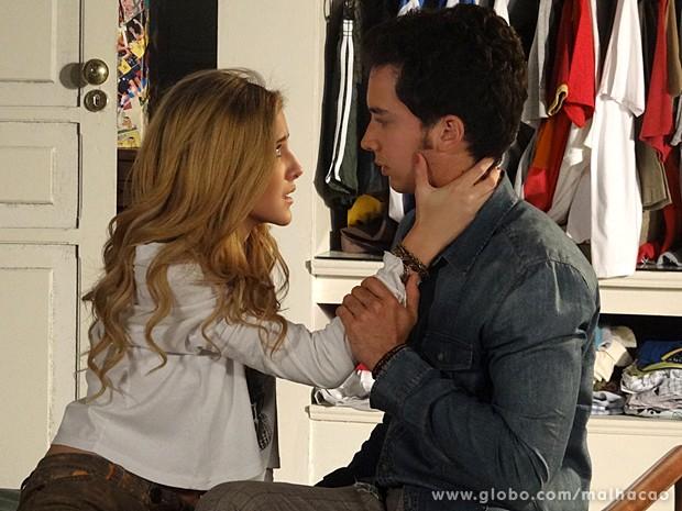 Sofia tenta envolver o garoto, mas não consegue (Foto: Malhação / TV Globo)