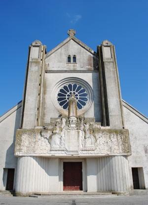 Igreja d'Hirson, comprada por uma pianista (Foto: Imobiliária Patrice Besse)