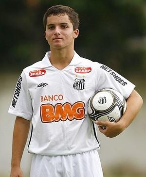 Jean Chera, meia-atacante com passagem por Santos e Flamengo (Foto: Site Oficial do Santos/Divulgação)