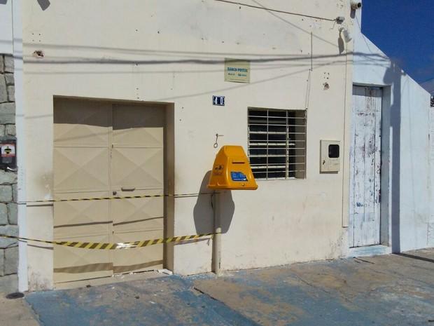 Agência dos Correios foi atacado na madrugada desta quarta-feira (30) em Junco do Seridó (Foto: Rafaela Gomes/TV Paraíba)